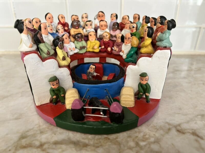 Vintage Colombian Folk Art Clay Bull Fight Scene in Great Condition