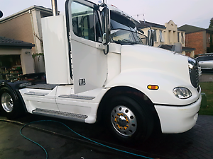 GUCELS MOBILE TRUCK WASH ! HOT/COLD WATER PRESSURE WASHING !