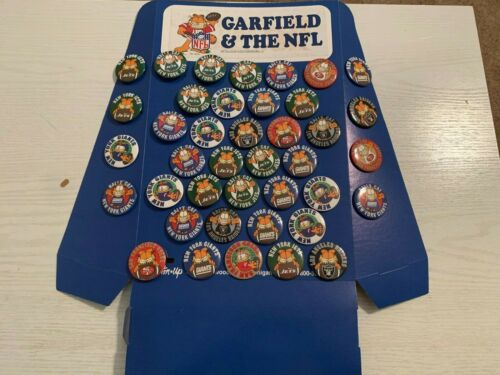 VINTAGE GARFIELD and the NFL Football Pinback Button Up Store Display w/ Box