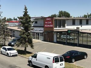 End-Cap location in small strip mall just north of Heritage Dr.