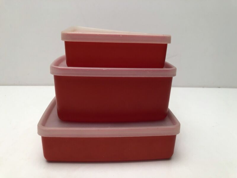 3 Vintage Tupperware Lot with lids 670 311 1516 Great Condition