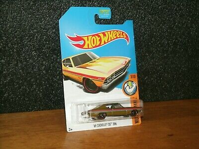 2017 Hot Wheels Muscle Mania Super Treasure Hunt 69 Chevy Chevelle SS/ Protector