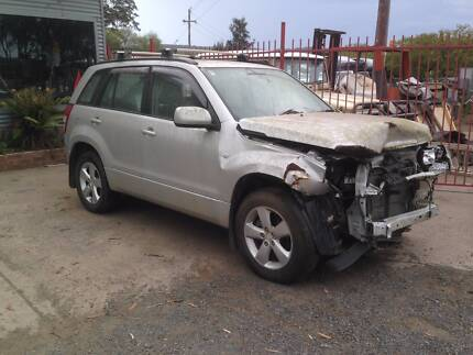 Wrecking 2010 Suzuki Vitara J24B 2.4 Engine Manual gearbox