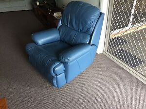 leather recliner  perfect cond. Bonnells Bay Lake Macquarie Area Preview