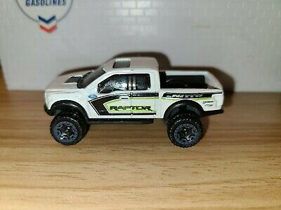 2017 Ford F-150 Raptor Pickup Truck 1/64 die-cast loose  Hot Wheels