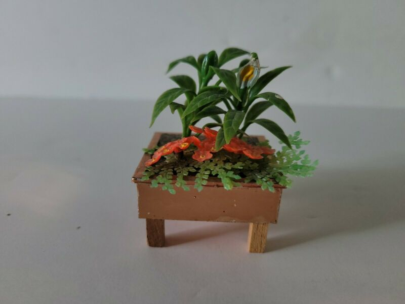 Vintage Lundby dollhouse miniatures Salon Brasilia flower plant stand