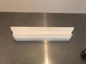 Small decorative shelf off white pick up only