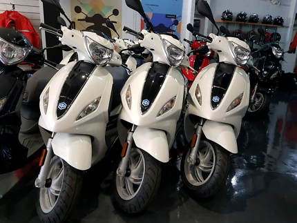 Piaggio Fly 150ie  Brand New Scooter