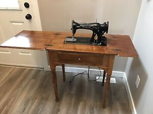 Knee Lever Singer sewing machine.
