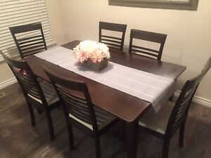 Dining Table set with center leaf and 6 stairs