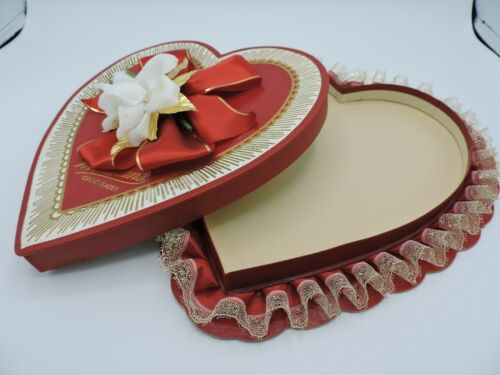Vintage Whitmans Candy Chocolate Box Heart Valentines Day