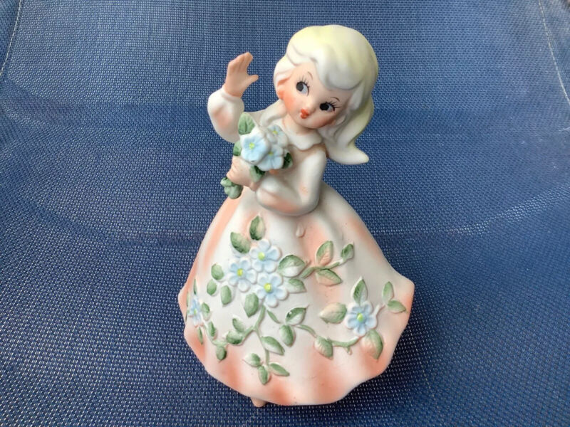 Napco Figurine Vintage 50s Girl Southern Belle Peach Flowers Spring 4 x 6