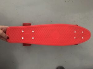 White polka dot penny board