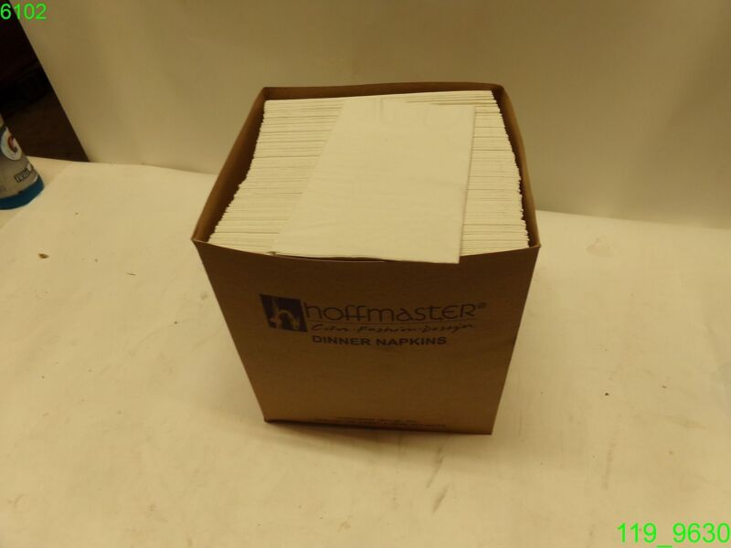 HOFFMASATER CASE OF 800 NAPKINS 15X17 - WITH CHECKERS CATERING INFO - NEW