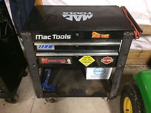 Mac tools deluxe service cart and tools