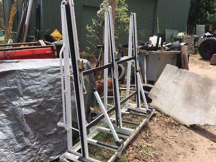 A frame glass rack