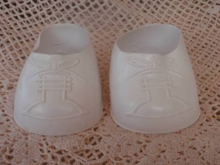 VINTAGE TOTSY WHITE DOLL SHOES CLEAN VGC