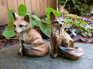 Wonderful FOX SITTING FIGURINES Resin Animal Statue COUNTRYSIDE SMART SLY RED NEW 5