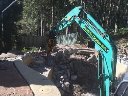 Demolition machinery hire ****5706 bobcat excavator tipper mini loader  Thornton Maitland Area Preview
