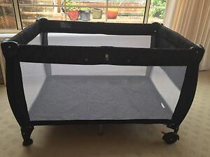 Portable travel cot Helensburgh Wollongong Area Preview