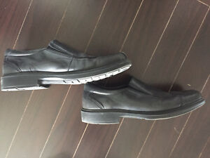 Men's Ecco size 45 11 11.5 black dress slip on shoes