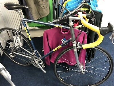 Vitus 979 Road Racing Bike Campagnolo Group Set