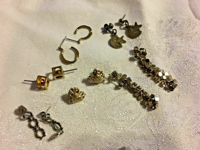 Lot of 5 Pair Earrings Lot Pierced SKU 067-035