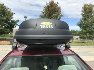 Thule roof racks and box