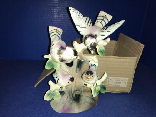 Japan Vintage Porcelain Blue Jay Family on Tree Stump NIB NOS 4 Birds Figurine