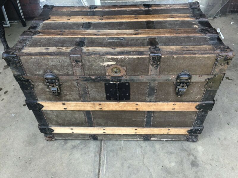 Vintage Trunk made by central trunk factory Simons and Co Philadelphia Antique