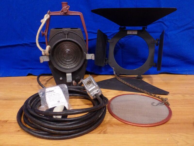 Mole Richardson 2831 Baby Baby Solarspot Studio/Remote Light & Accessories