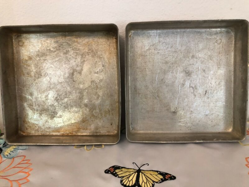 """Vintage Wear-Ever Square 9"""" Aluminum Pan #2753 Set of 2 Made in The USA"""