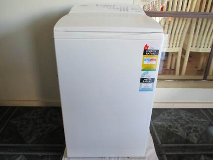 Washing Machine+DELIVERY*+Free!Laundry basket St Albans Brimbank Area Preview