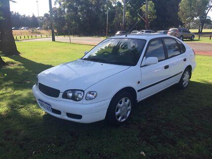 2001 Toyota Corolla MANUAL Hatch $2390 ( ECONOMICAL & CHEAP! )