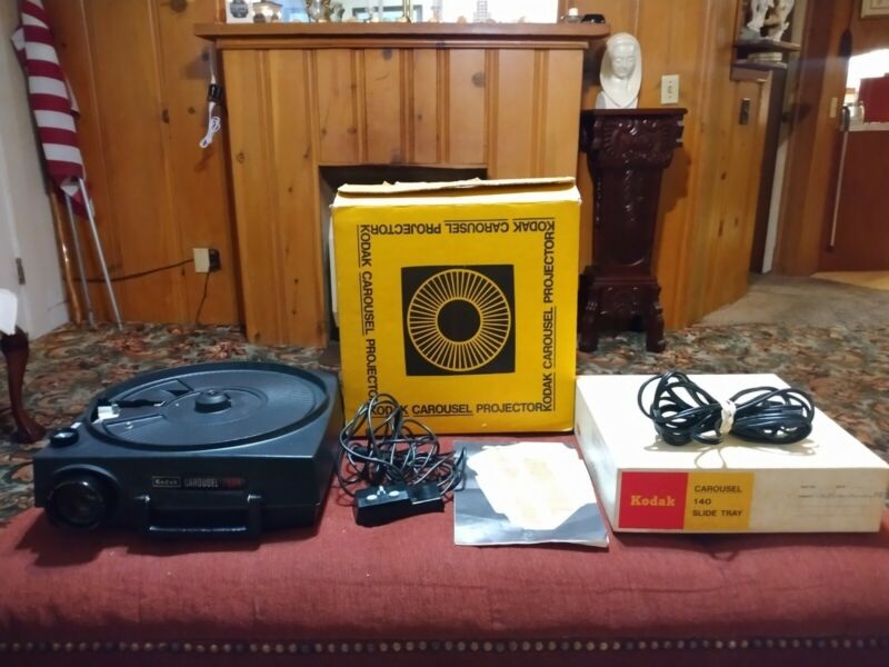 Kodak Carousel 750H slide projector with remote, manual, tray
