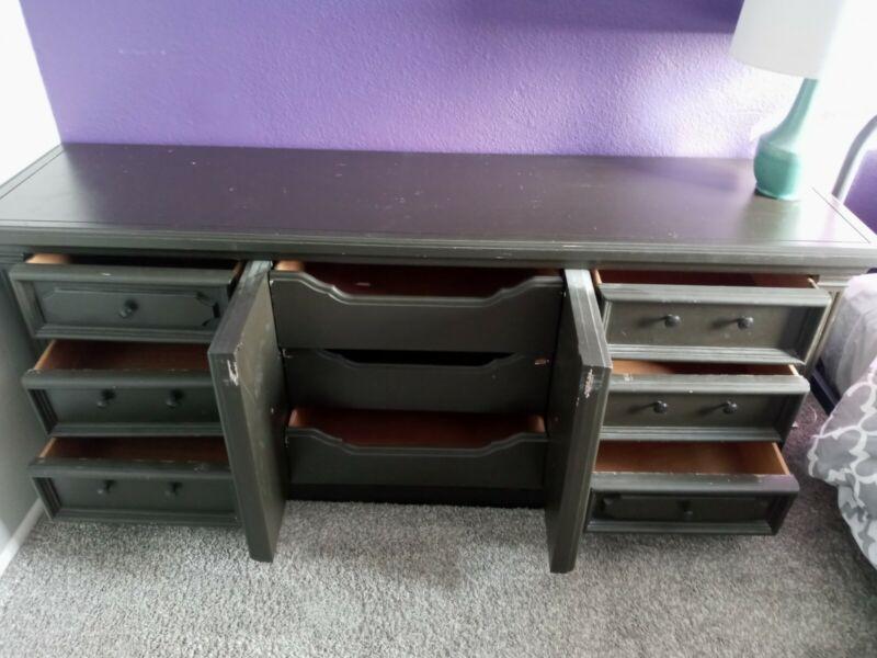 Black 9 Drawer Bedroom Dresser In Good Condition.