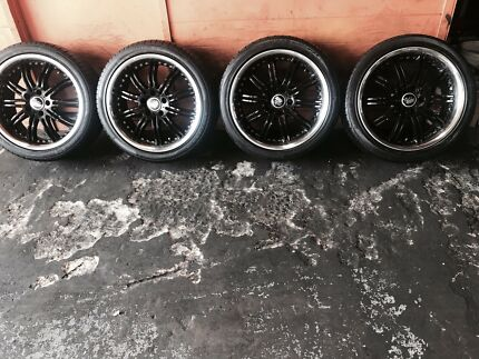 235/40R18 5 stud pattern fit to ford falcon.