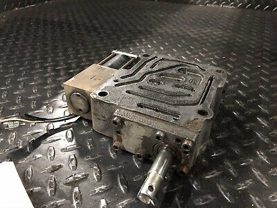 2021323 Transmission Control Valve Hyster S30xm Forklift Good Used Parts