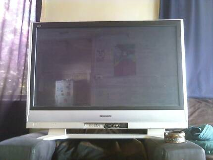 Panasonic widescreen TV