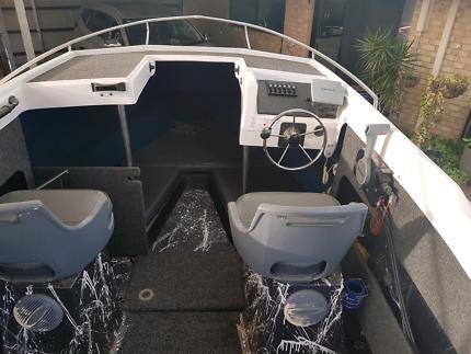 6.1 meter Statesman boat