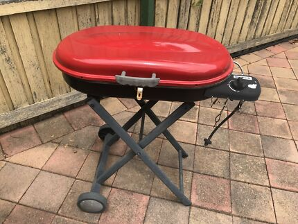 Portable red BBQ