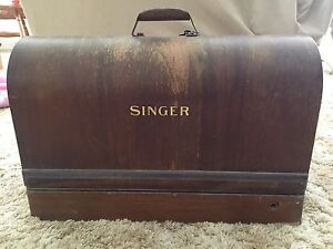 Antique Singer Sewing Machine Strathpine Pine Rivers Area Preview