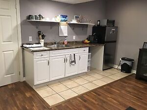 ONE BEDROOM AVAILABLE FOR FEMALE - close to niagara college