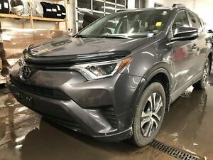 2017 Toyota RAV4 LE - ALLOYS! HEATED SEATS! BACKUP CAM!