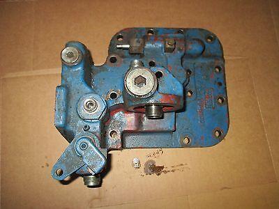 Ford 8000 8600 9000 9600 Hydraulic Pump Valve Mount Cover C9nn6871a D8nn600fa