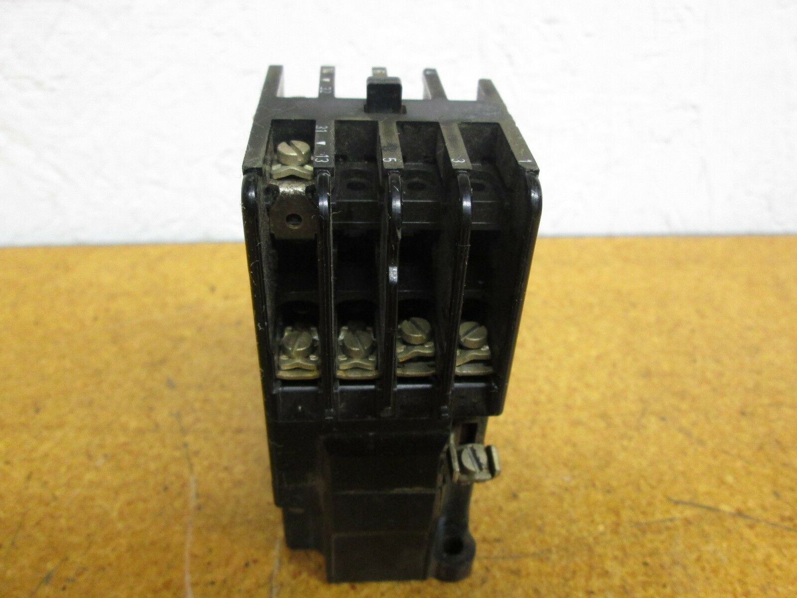 Siemens 3TA20 13 0A 10A Contactor With 120V