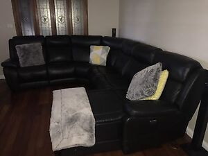 6 Seat Leather Modular Lounge with Electric Recliners Cranebrook Penrith Area Preview