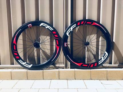 Fast forward F6R Carbon wheelset + Fulcrum racing 5 wheelset