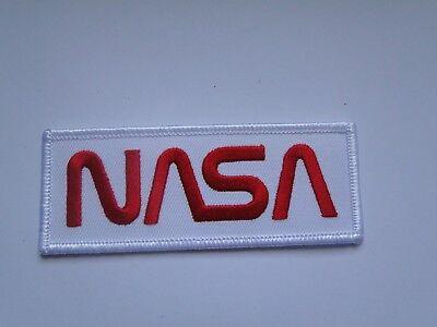 NASA-Logo  weiß-rot  ca  10x 4  cm auch zum aufbügeln