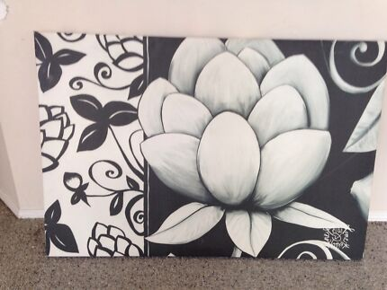 Canvas in good condition comes with lamp Browns Plains Logan Area Preview